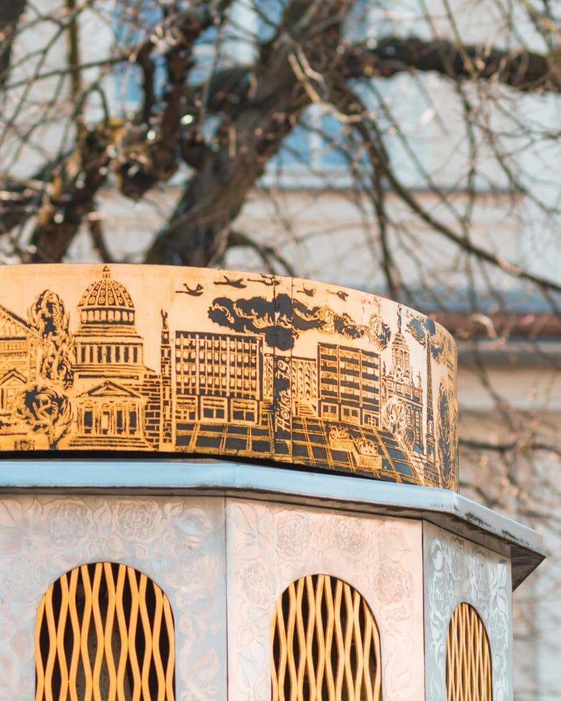 Höfers Spieluhr vor dem Brandenburger Tor in Potsdam